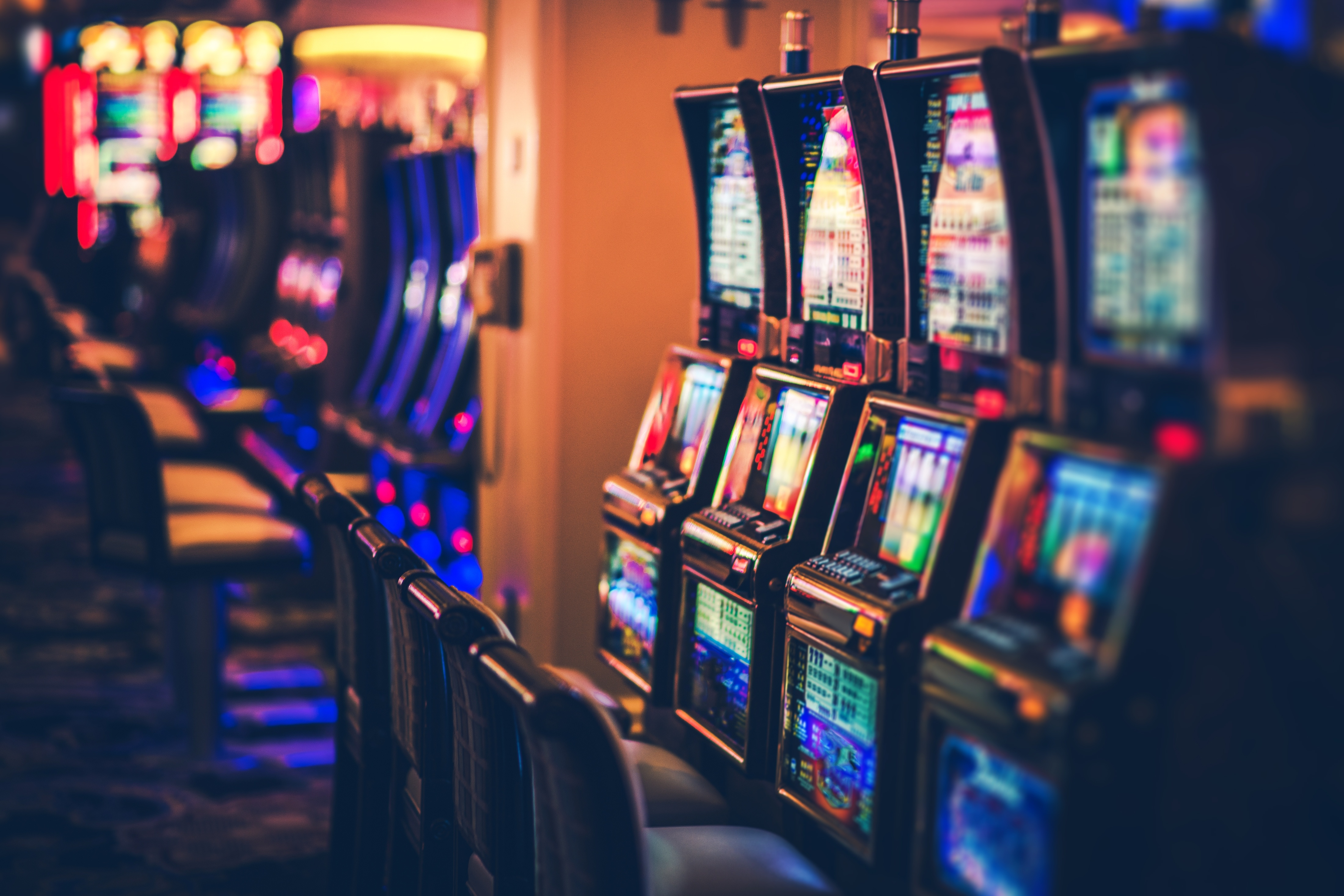 Casino-slot-machines-AdobeStock_182324186.jpeg